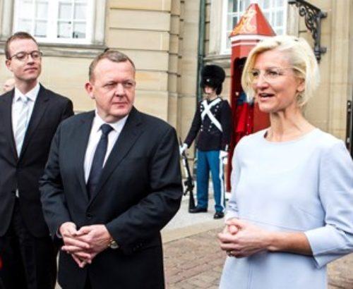 Minister Ulla Tørnæs speaks to the press