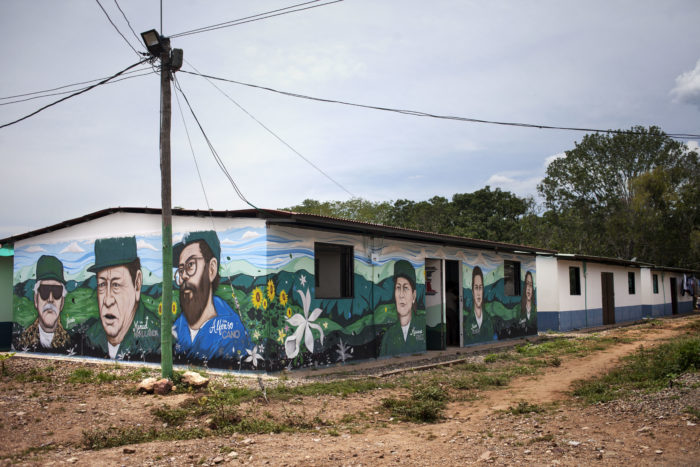 Building with murals of Colomdian leaders